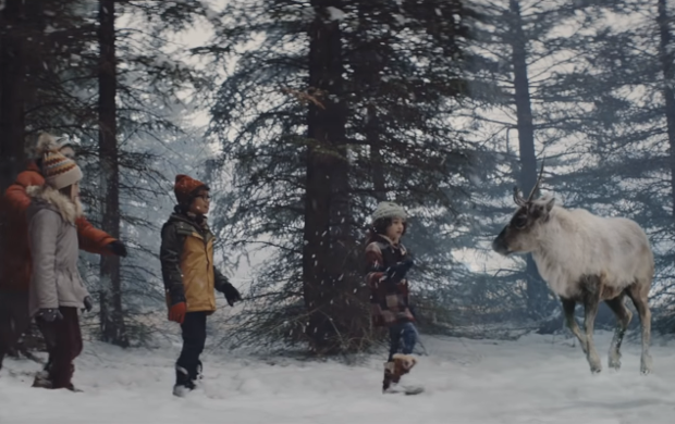 Air Canada Helps a Lost Reindeer Find His Way Home for Christmas