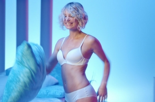 Sloggi Launches Exciting Raunchy Campaign Featuring Alice and Lily Colfox