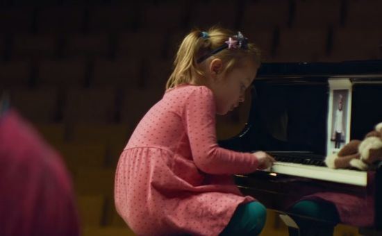 Your Shot: How Akestam Holst Turned 15 Toddlers into an Orchestra in 5 Weeks