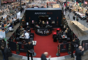Apothic Red Wine Pop-up Bar Invites You to Discover Your Dark Side
