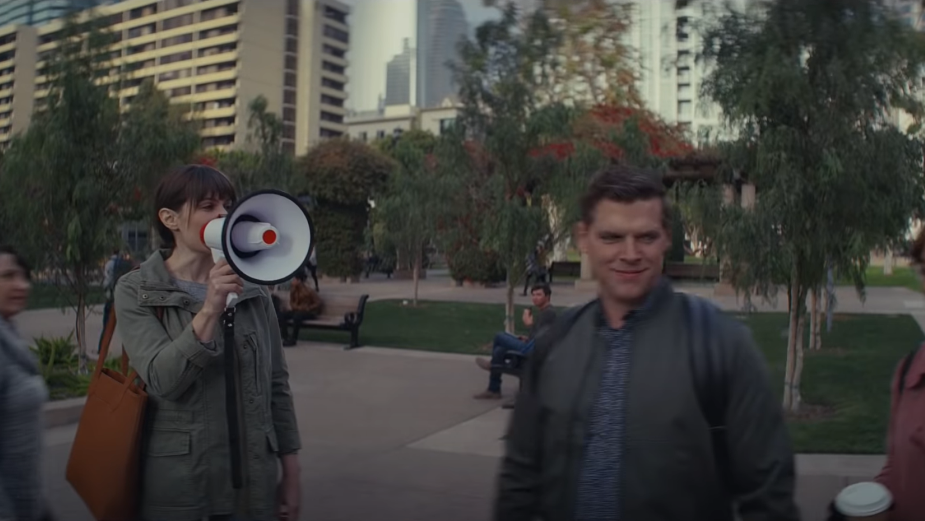 """""""I Hate Working Here"""": Apple Overshares in Amusing Privacy Ad"""