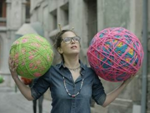 7up Takes to the Streets of London with an Urban Spin on Knitting