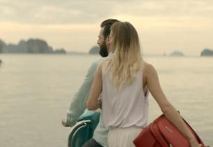 Saatchi Belgium Travels Light with Scenic Luggage Brand Spot