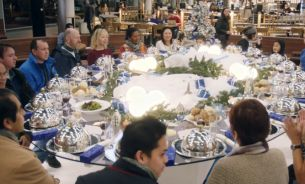 KLM's Bonding Buffet Brings People Even Closer Together for Christmas