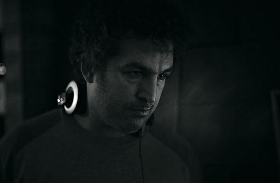 Juan Taratuto signs with Carbo Films