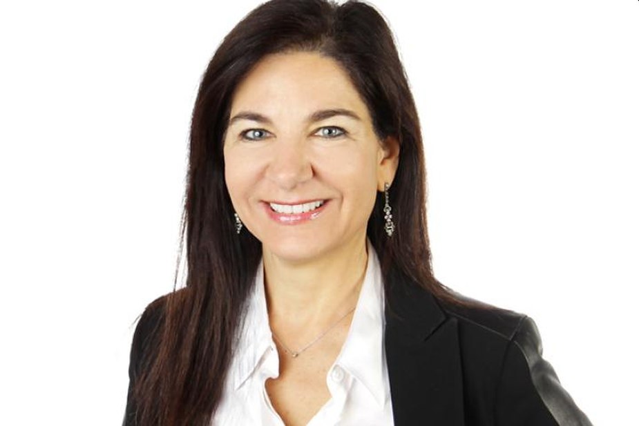 HERoes and Yahoo Finance Name VMLY&R COMMERCE Global CEO Beth Ann Kaminkow to HERoes Women Role Model Lists 2021