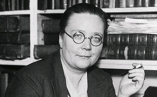 Dorothy Sayers Departs From London Hotshop S. H. Benson