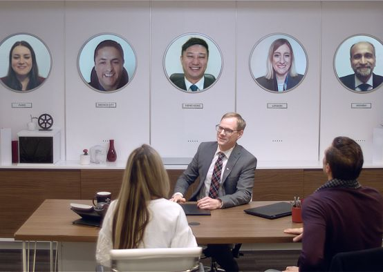 HSBC Canada Surprises Customers with a Truly Global Stunt
