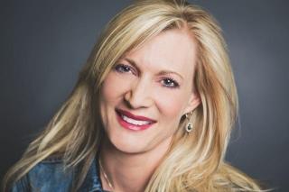 Bestads Six of the Best Reviewed by Debbi Vandeven, Global CCO, VML, Missouri