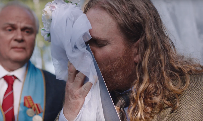 Man Marries His Beloved Saw in Latest Hornbach Spot from Heimat