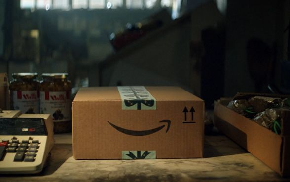 Amazon's Singing Box Spot Cracks Open 'That' Christmas Feeling