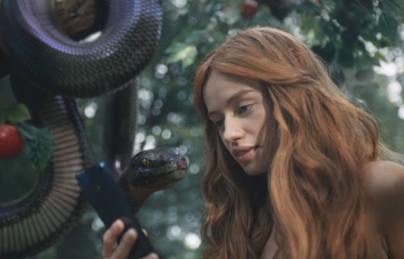 Time Travelling Phones Change History for the Better in New Three Ad