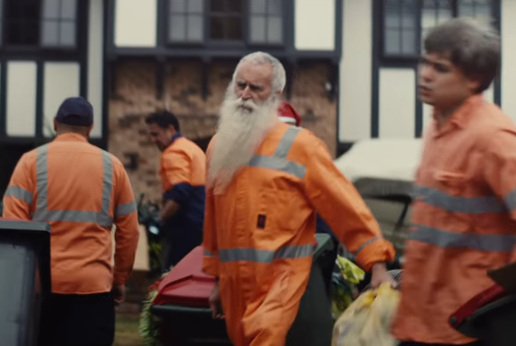 Australian Garbos Encourage Aussies to 'Give Me Something Good' in ING's Dreamstarter Christmas Campaign