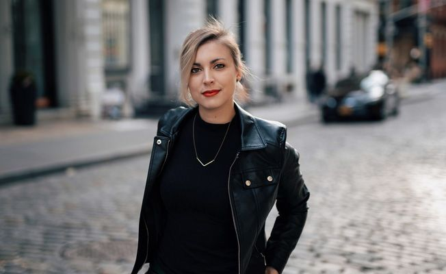 Cutters New York Signs Editor Alison Grasso