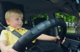 Hailo Puts Toddler Taxi Driver Behind the Wheel in Hilarious Birthday Stunt