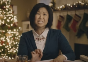 Hefty Cups' #PartyHardMoms Get #Cray for the Holidays