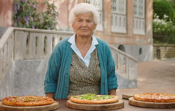 What Do These Local Italians Think of Pizza Hut's New Menu?