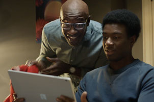 Father and Son Bond in a Twist on 'Back to School' Time for Best Buy