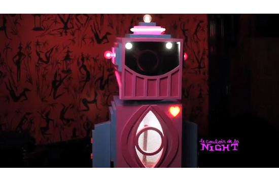 'Le Couloir De La Night' Video Premiered