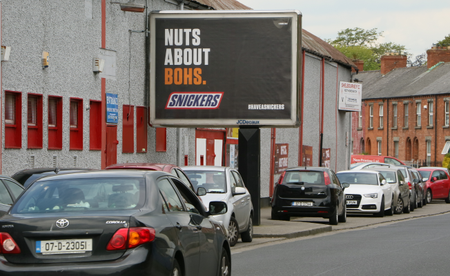 Snickers Trolls Irish Sporting Rivalries with Tactical OOH Campaign