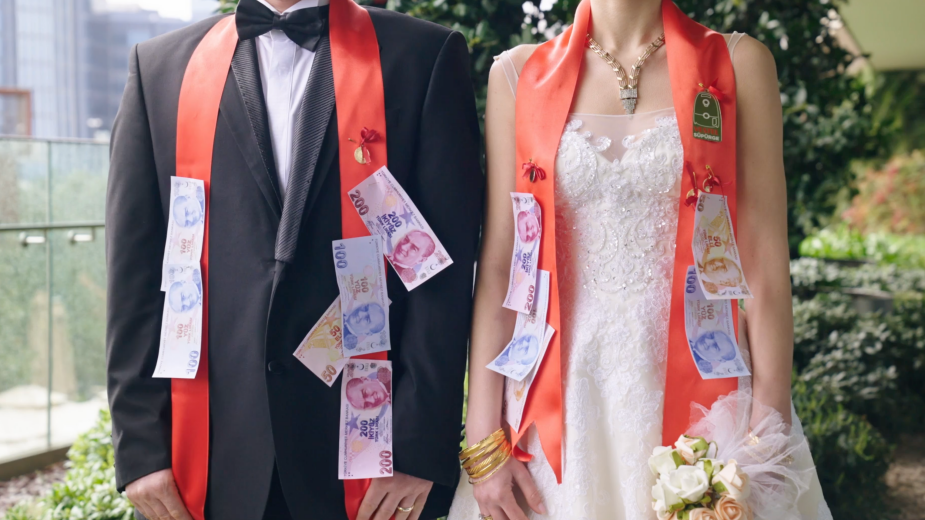 Behind the Work: Turning Home Appliances into Wedding Gifts as Precious as Gold