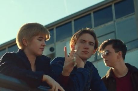 Tash Tung Directs Dreamy, Nostalgic Promo for St Etienne's 'Magpie Eyes'