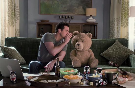 Seth MacFarlane Airs 'Family Friendly' SB Ad