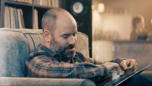 New Specsavers 'Vinyl' Ad is Glazed in Golden Glow from UNIT's Colour Grading