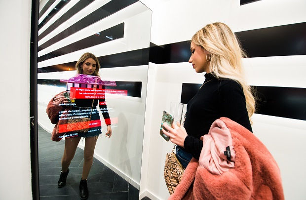 Sephora and Wildbytes Unveil the Future of Shopping with an Intelligent Mirror