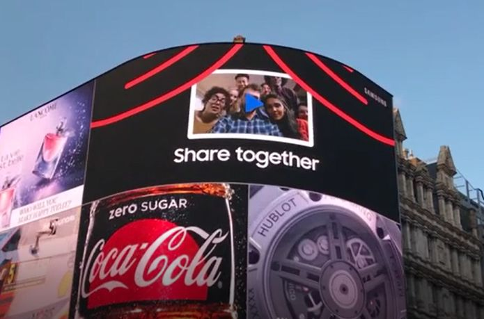 Samsung Takes Over Piccadilly Lights with Animated Film by Cheil UK