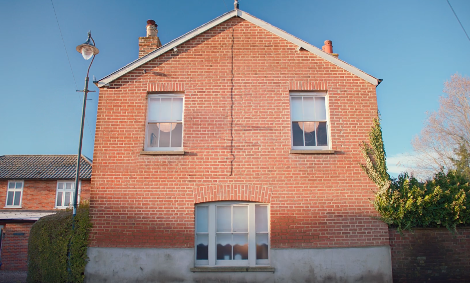 Houses Sing a Tom Jones Classic in Campaign for MyBuilder