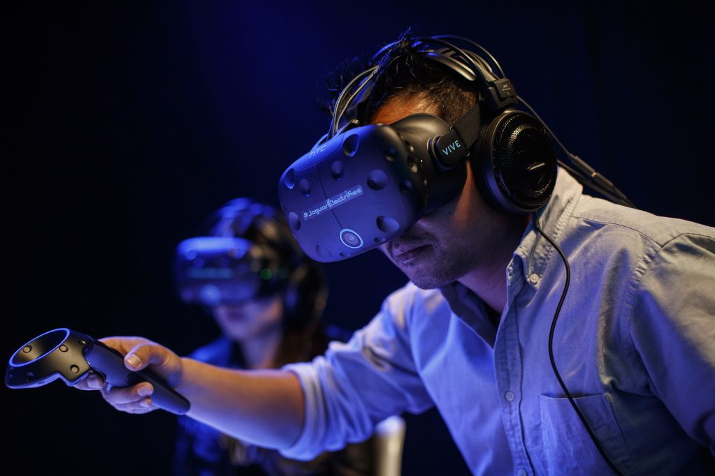 Is VR Changing the Way We Communicate?
