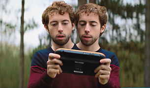 Serviceplan France's Cash Converters Campaign Stars Siamese Twins and Blender Births