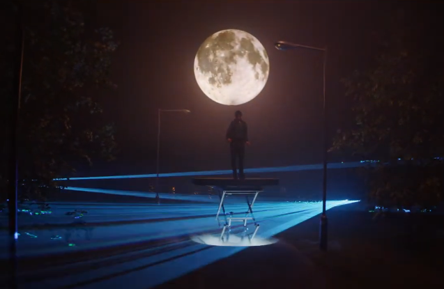 O2 Puts Customers Centre Stage in Moonlit Spot