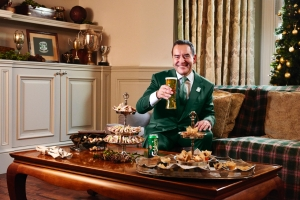 Jeff Stelling to Present 'King's Speech' to Britain This Boxing Day