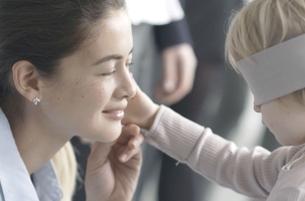 Blindfolded Children Find Mum in Adorable New Pandora Film