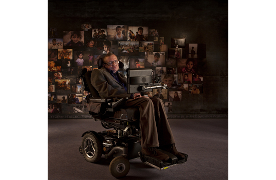 Stephen Hawking Gives His Voice to Syrian Children