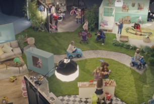 This Ad for French Supermarket Système U Aims to Create a #GenderFreeChristmas