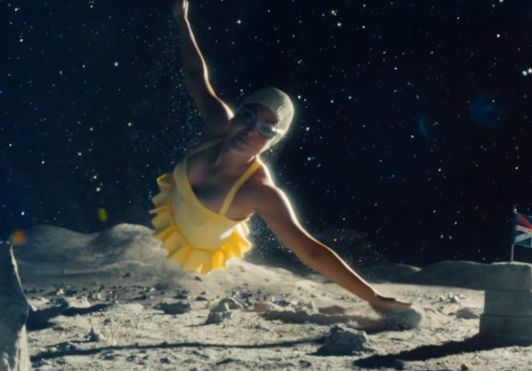Life Aquatic: Behind the Scenes on giffgaff's Sparkly Summer Campaign
