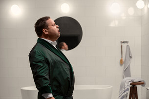 Listen to Paul Potts Sing in His Perfect Environment… This Custom Bathroom