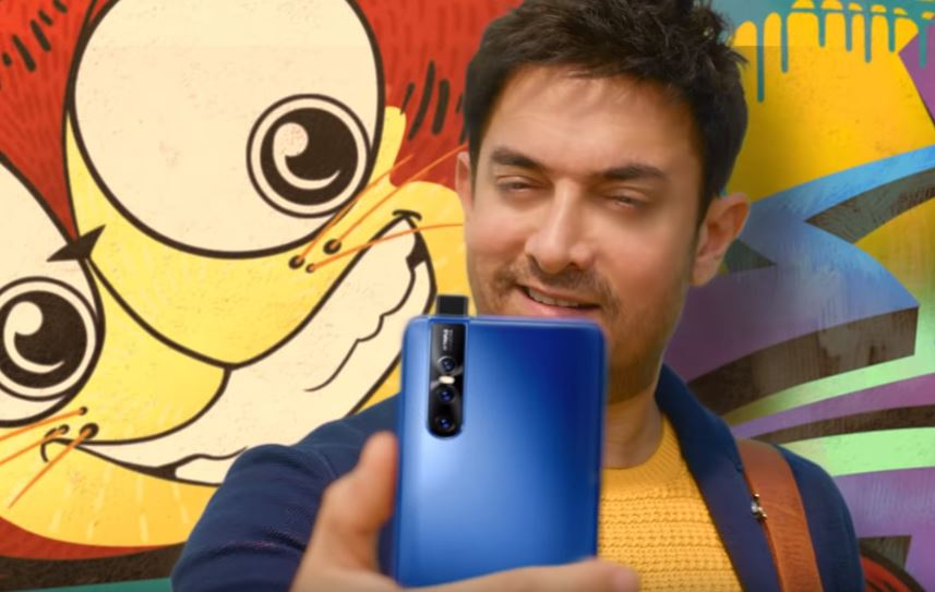 Indian Actor Aamir Khan's Selfie Game Is On-Point in Vivo Smartphone Campaign