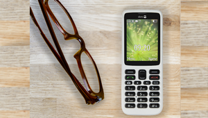 Doro Partners With giffgaff to Donate Phones to Isolated Seniors