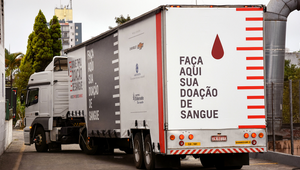 Chevrolet Transforms a Truck into Blood Donation Centre