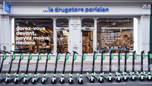 Wunderman Thompson Launches Parisian Rendez-Vous with a Hijacked Scooter Stunt