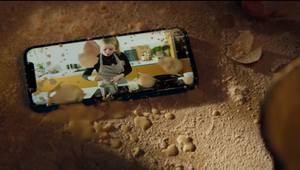 Kim Gehrig Stays Calm Amidst Disaster in Fun Apple iPhone Spots