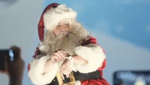 Santa Gets Psyched for Samsung's Galaxy Gear