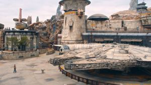 BYT's Emily Sheskin Premieres First Look inside Star Wars Galaxy's Edge Attraction